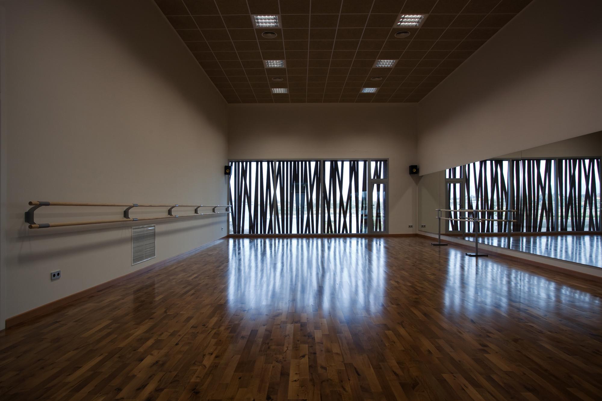 dancing classroom interior decoration - photo #32