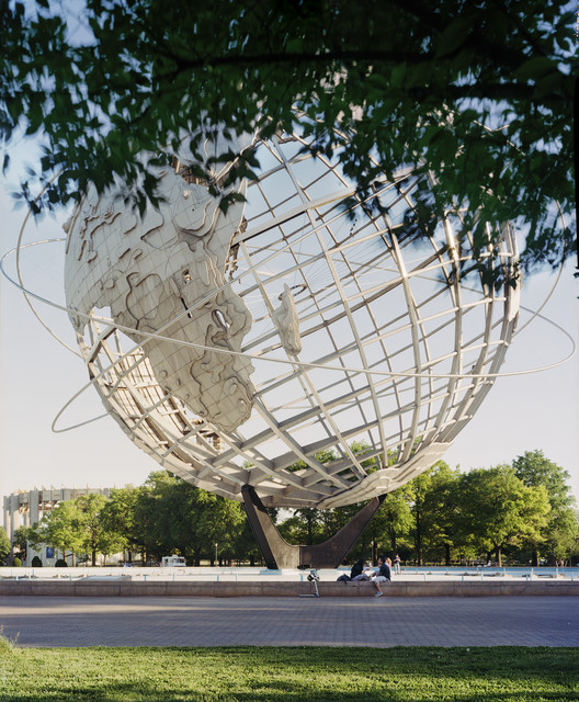 "New York 1964 World's Fair, ""Peace Through Understanding,"" Unisphere, 2008. Photo © Jade Doskow."