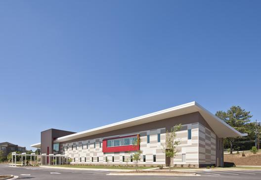 Adamsville Regional Health Center; Atlanta / Stanley Beaman & Sears © 2012 Jonathan Hillyer