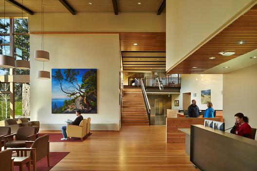 Peace Island Medical Center; Friday Harbor, San Juan Island, Washington / Mahlum