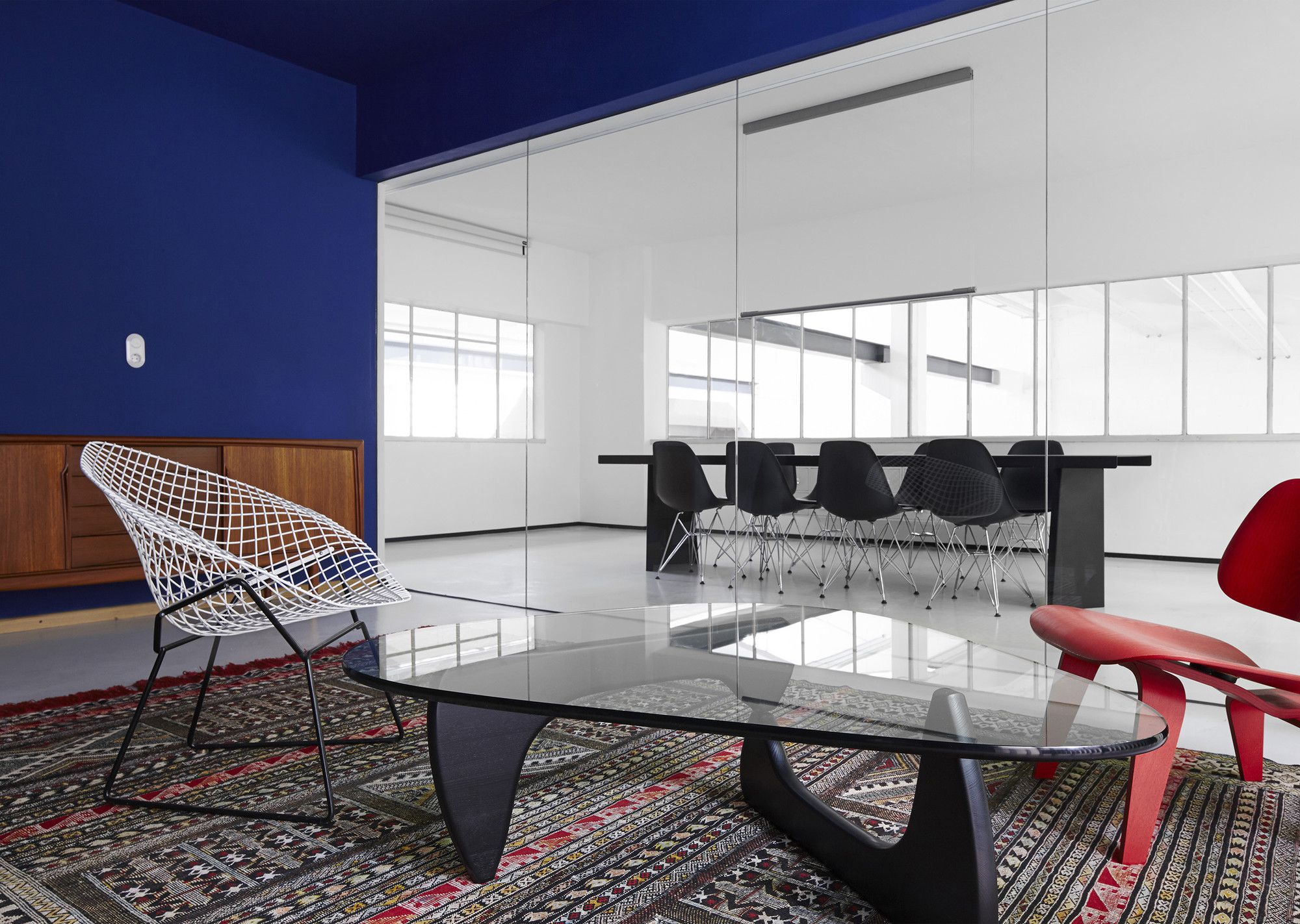 gallery of halle a designliga 30. Black Bedroom Furniture Sets. Home Design Ideas