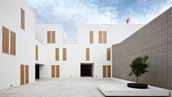 Social Housing in Sa Pobla / RIPOLLTIZON