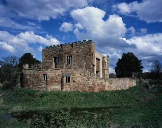 Astley Castle, Nuneaton, Warwickshire por Witherford Watson Mann © Helene Binet