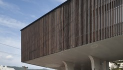 Lifted-Garden House / acaa