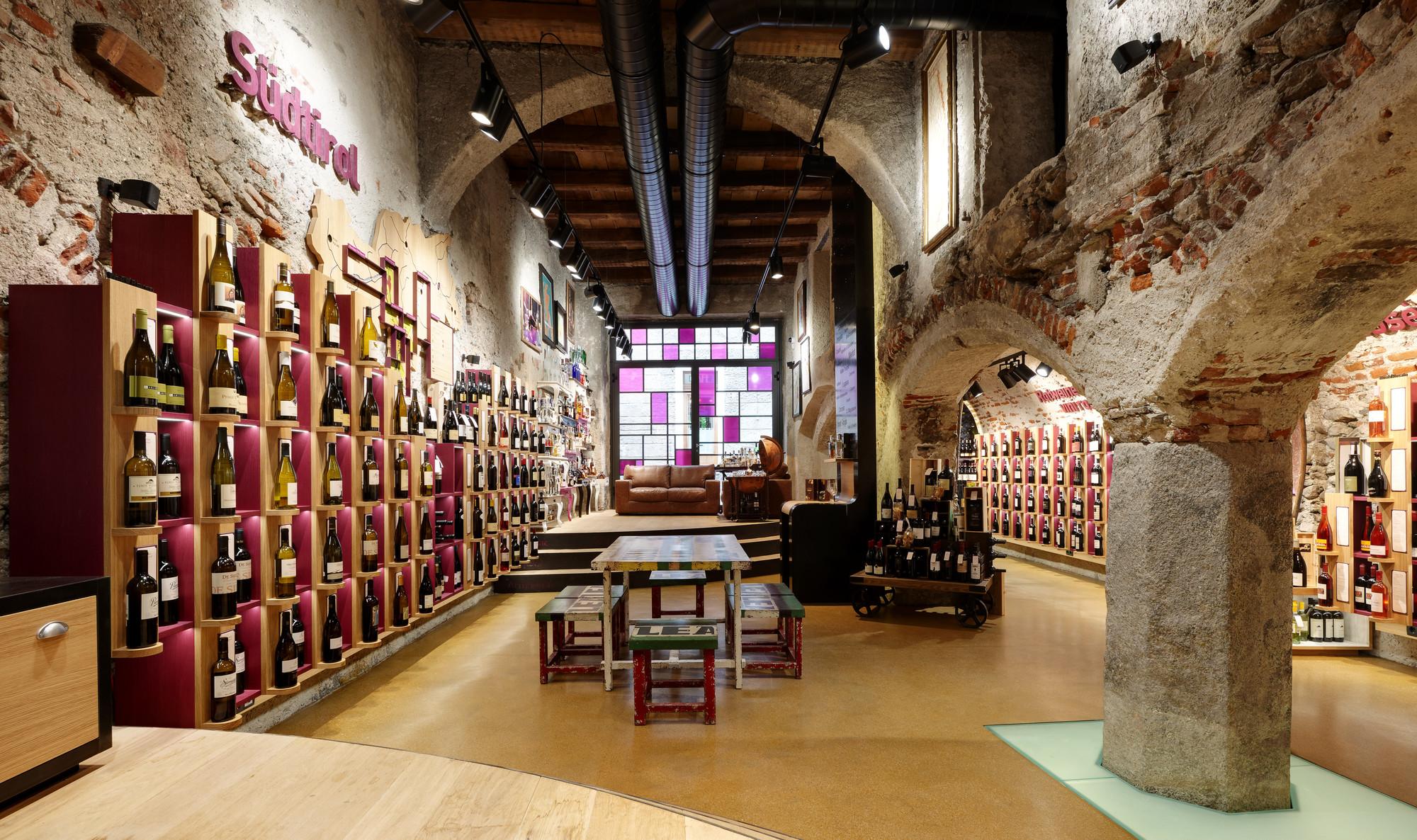 Drink Shop Harpf / Monovolume Architecture + Design