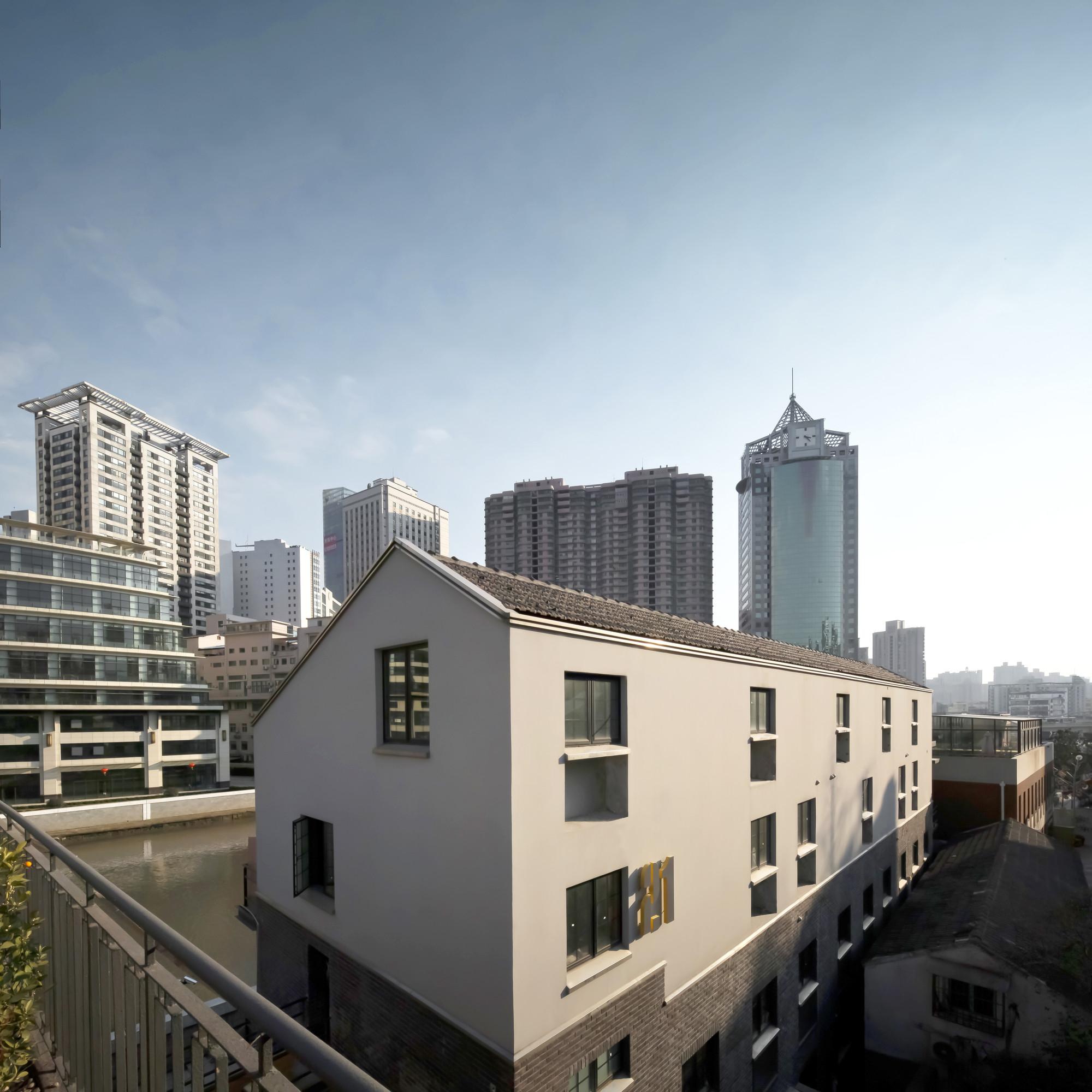 Suzhou Creek Boutique Hotel / DAtrans Architecture Office