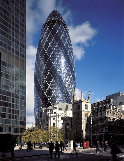 The Gherkin Receives CTBUH's Inaugural 10 Year Award, © Nigel Young
