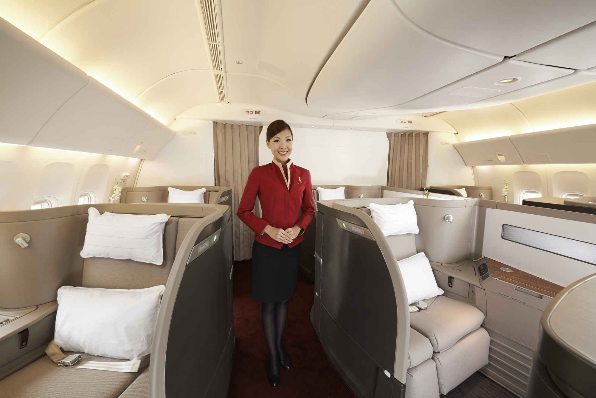 First Class Cabin designed by Foster + Partners. © Steve Wong
