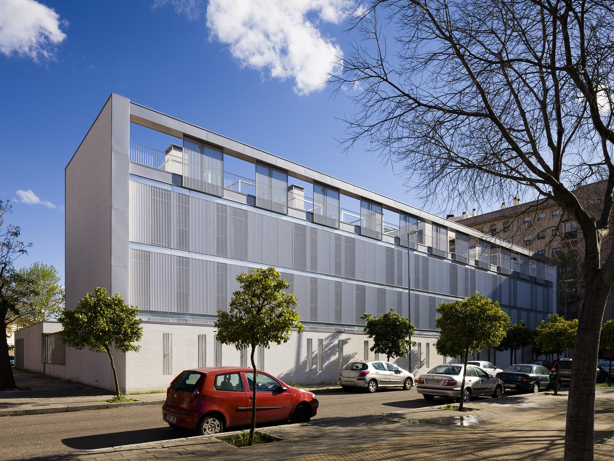 Seville University Residence Hall / Donaire Arquitectos + SSW Arquitectos, © Fernando Alda