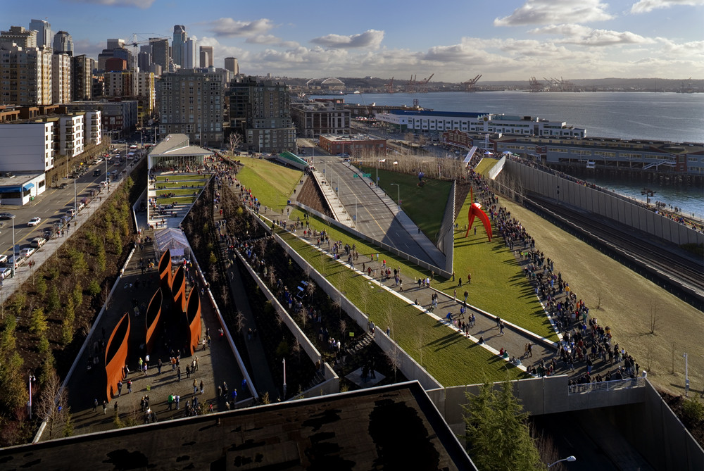 The Olympic Sculpture Park in Seattle, Washington, designed by Weiss Manfredi. Image © Benjamin Benschneider