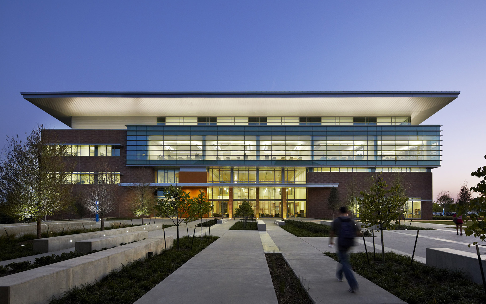 Founders Hall / Overland Partners | ArchDaily