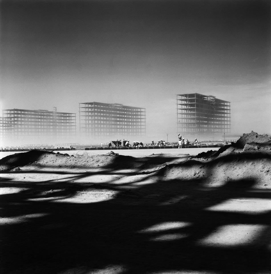 Construction of Brasilia, 1956 . Image © Marcel Gauthero