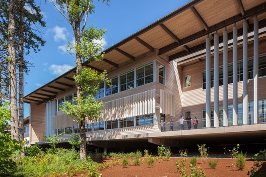 Sandy High School; Sandy, Oregon / Dull Olson Weekes – IBI Group Architects © Josh Partee