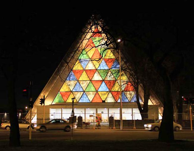 Shigeru Ban completa su catedral de cartón en Christchurch, Nueva Zelanda, © Jocelyn Kinghorn
