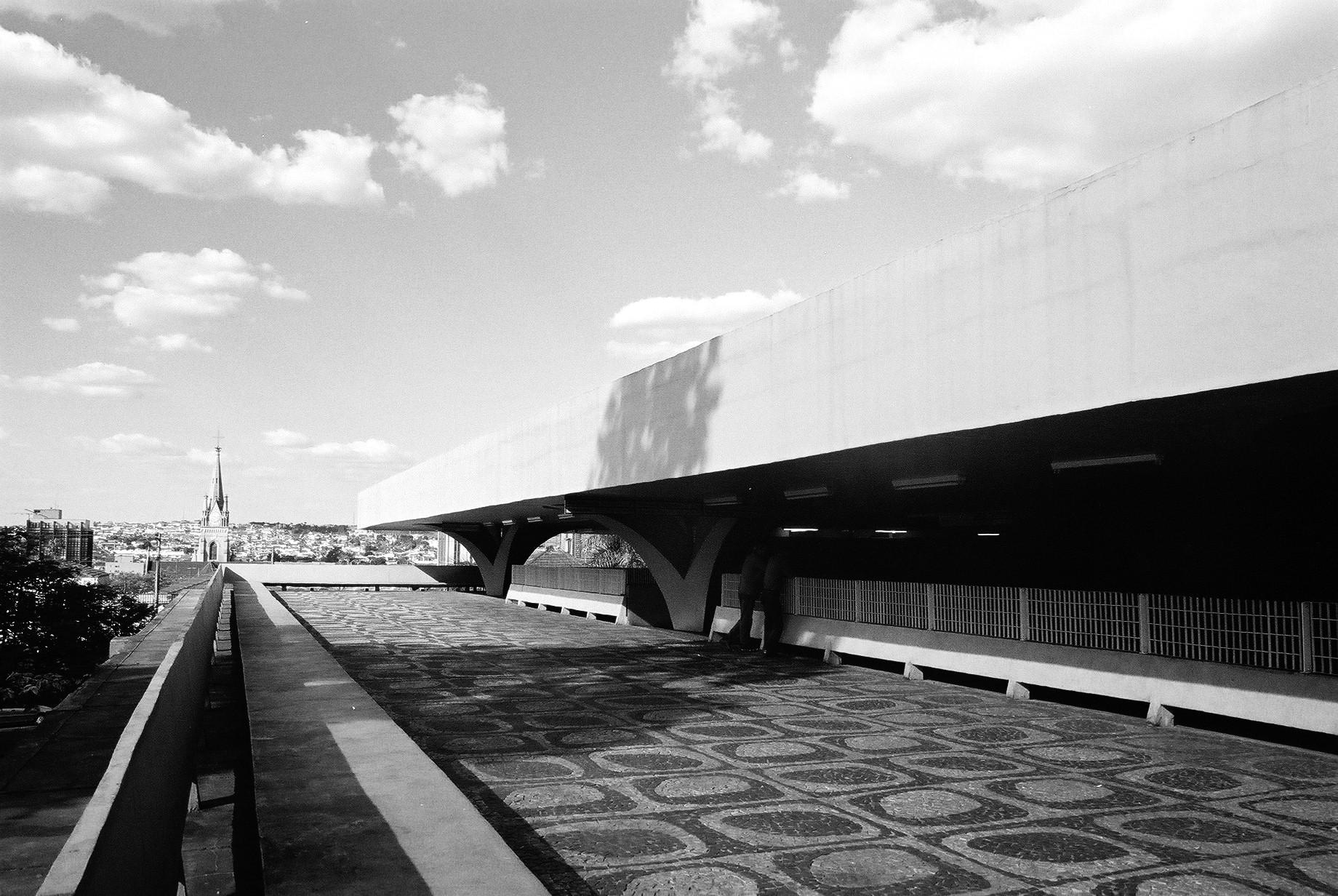 Clásicos de Arquitectura: Rodoviária de Jaú / Vilanova Artigas, © Flickr gabriel.sepe