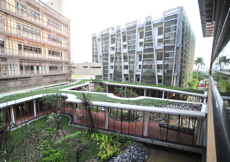 Chayi industrial innovation center bio architecture for Industrial design innovation