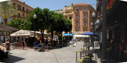Espaço Público Confortável. Praça das Flores. Murcia. Imagem Cortesia de Enrique Mínguez Martínez, Pablo Martí Ciriquián, María Vera Moure