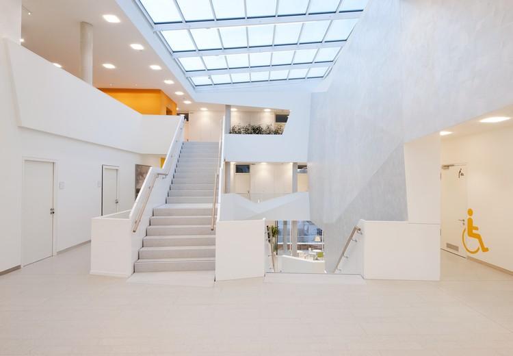 bad aibling city hall behnisch architekten archdaily. Black Bedroom Furniture Sets. Home Design Ideas