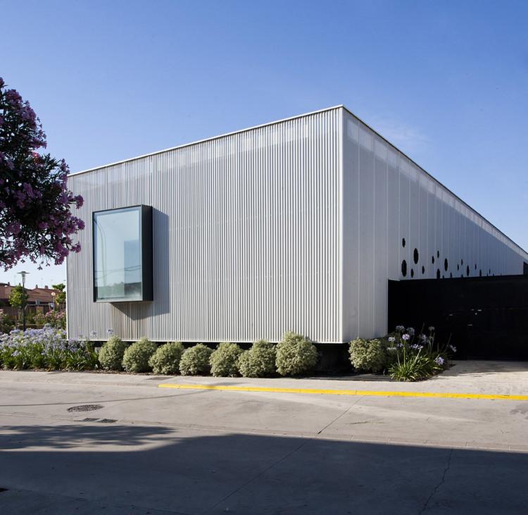 Consultorio Médico Cortes / Iñigo Esparza Arquitecto, © Berta Buzunariz