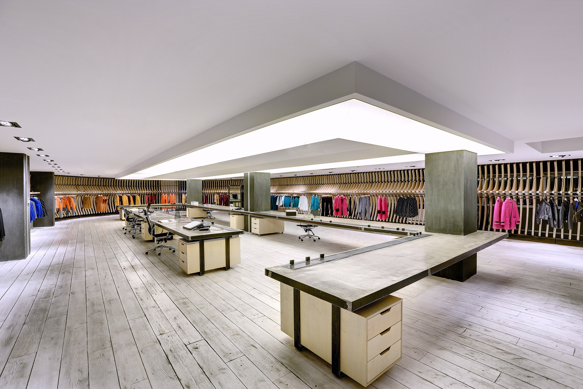 Vigoss textile showroom and design office zemberek for Architecture textile