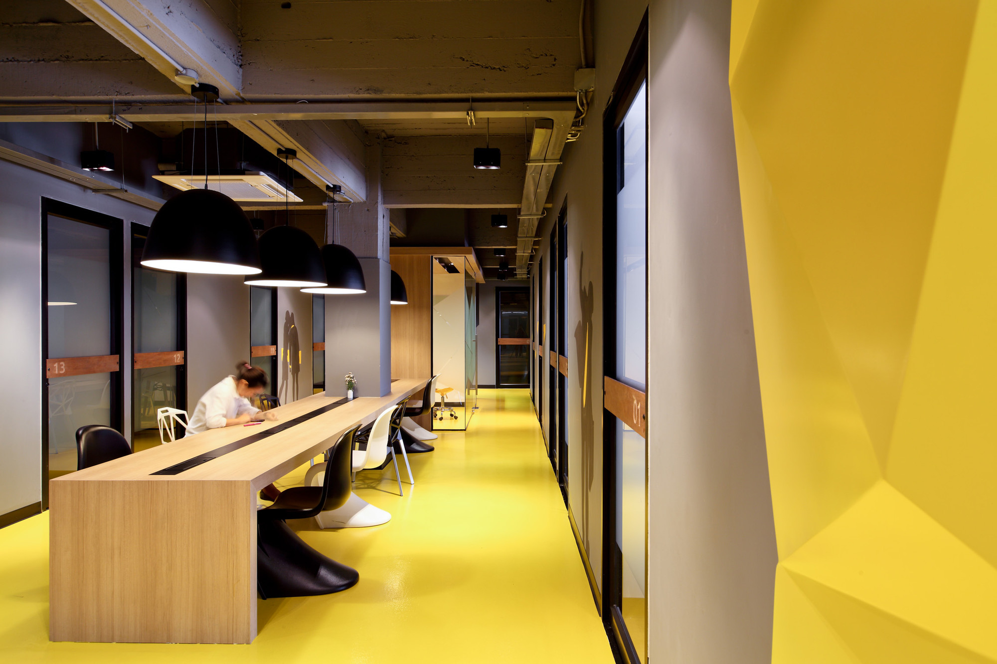 Gallery Of Kliquedesk Studio Of Design And Architecture