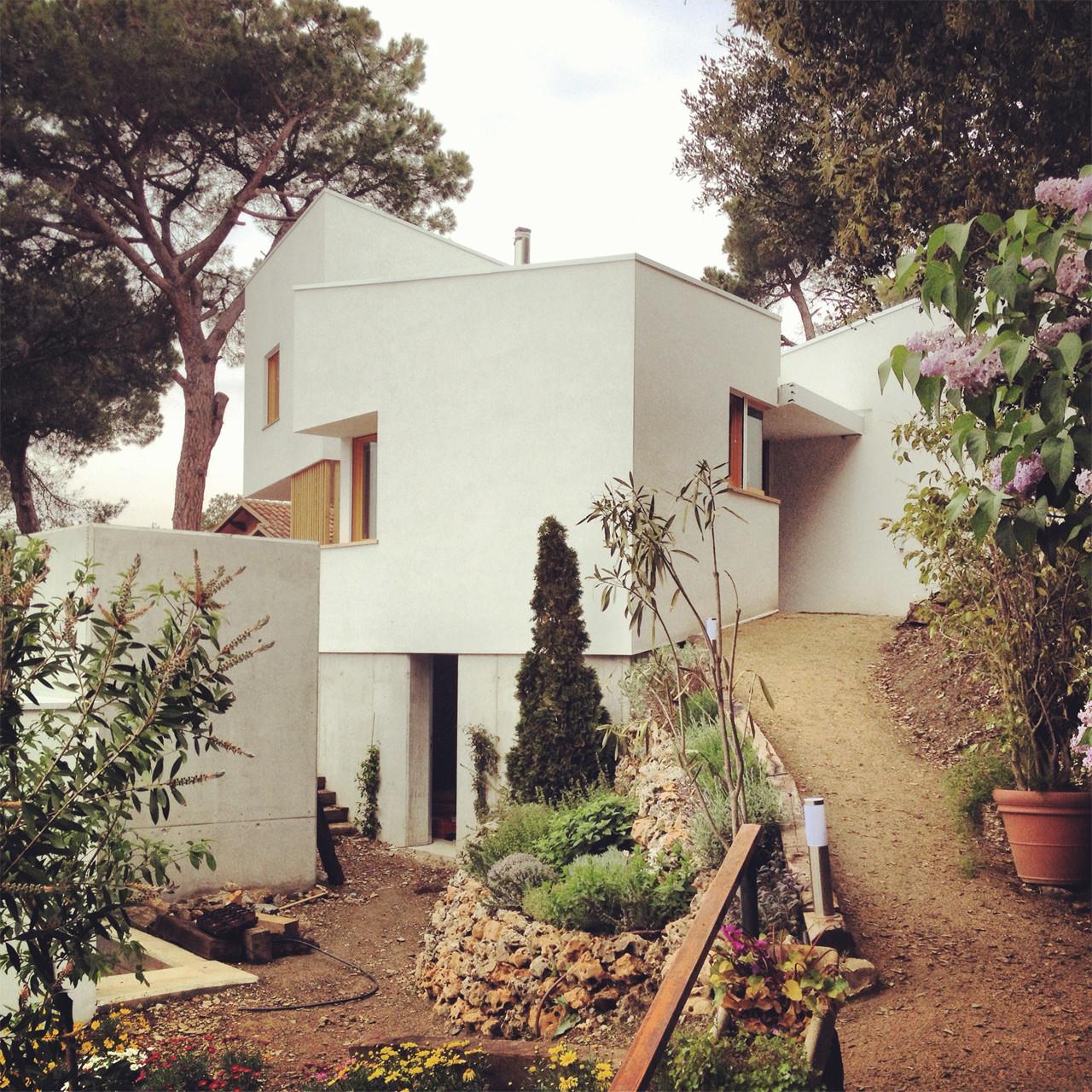 La Floresta House / Alventosa Morell Arquitectes , Courtesy of Alventosa Morell Arquitectes