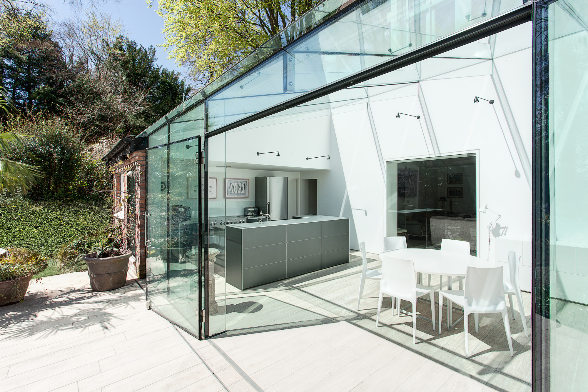 Gallery of the glass house ar design studio 3 for Bouwen en interieur