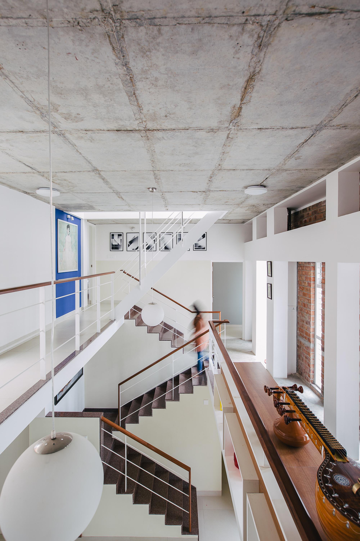 Lateral House / Gaurav Roy Choudhury