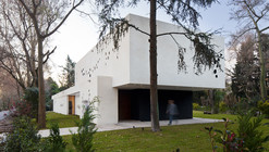 BLLTT House / Enrique Barberis