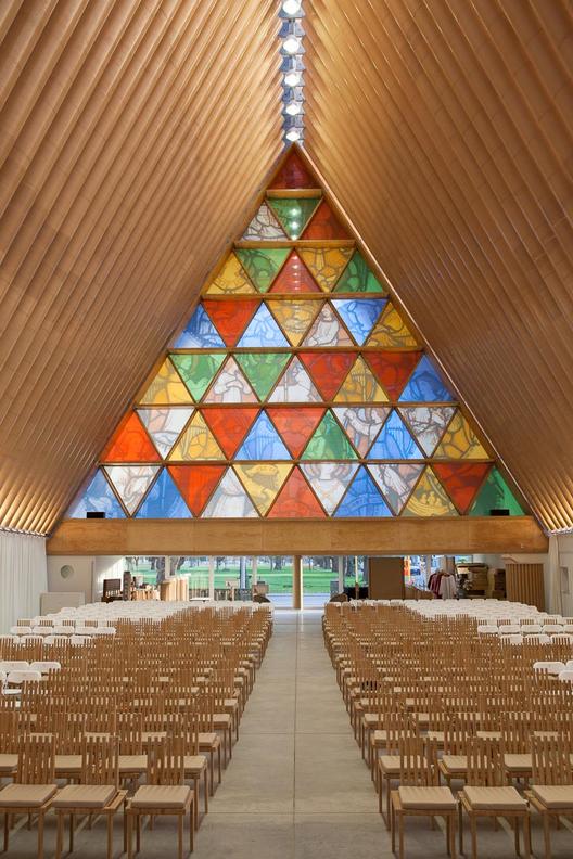 Prêmio Pritzker 2014: Novas fotos da Catedral de Papelão de Shigeru Ban na Nova Zelândia, © Bridgit Anderson