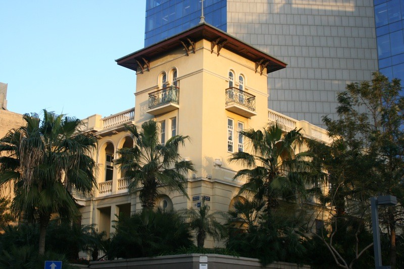 The Levine House by Yehuda Magidovitch, 1924 (Renovated by Bar Or Architects). Image Courtesy of  Flickr CC License / Debs