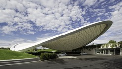 Cobertura e Pavilhão de Serviço / Graft Architects