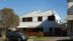 House in Greenwich / VOLPATOHATZ SA