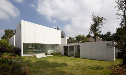 Courtesy of Paritzki Liani Architects
