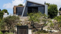 Winsomere Cres / Dorrington Architects & Associates