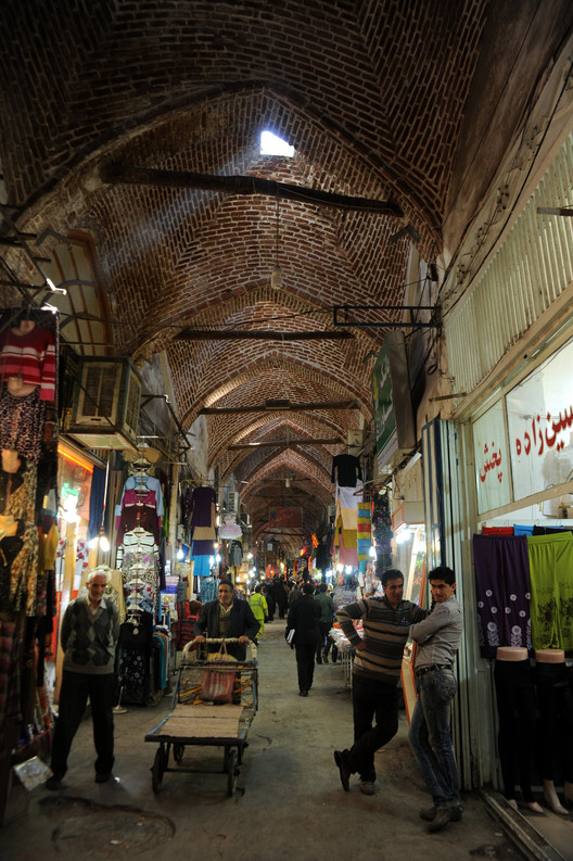 Rehabilitation of Tabriz Bazaar;Tabriz, Iran /ICHTO East Azerbaijan Office. Image © AKAA / Amir Anoushfar