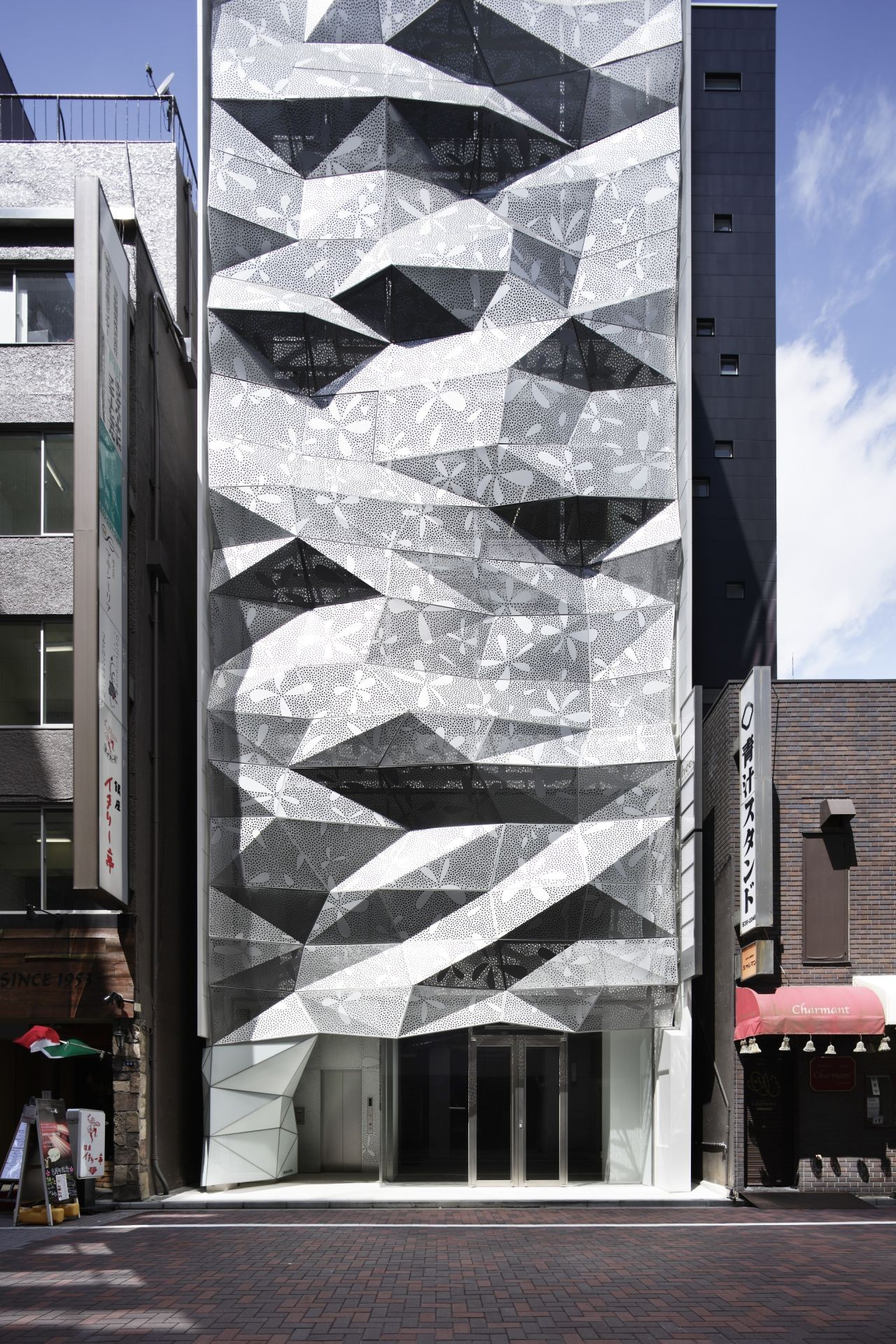 Dear ginza amano design office archdaily for Office design archdaily