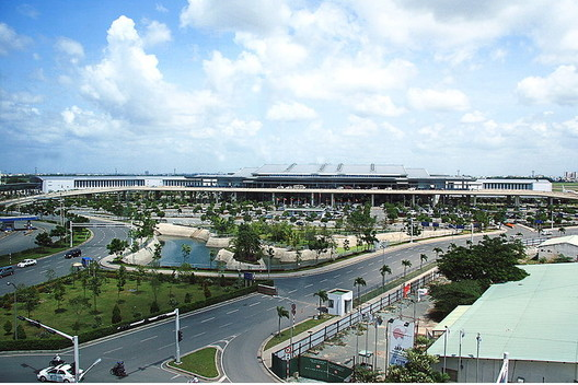 Tan Son Nhat Airport. The new terminal was designed by GWA. Image © Wikimedia Commons