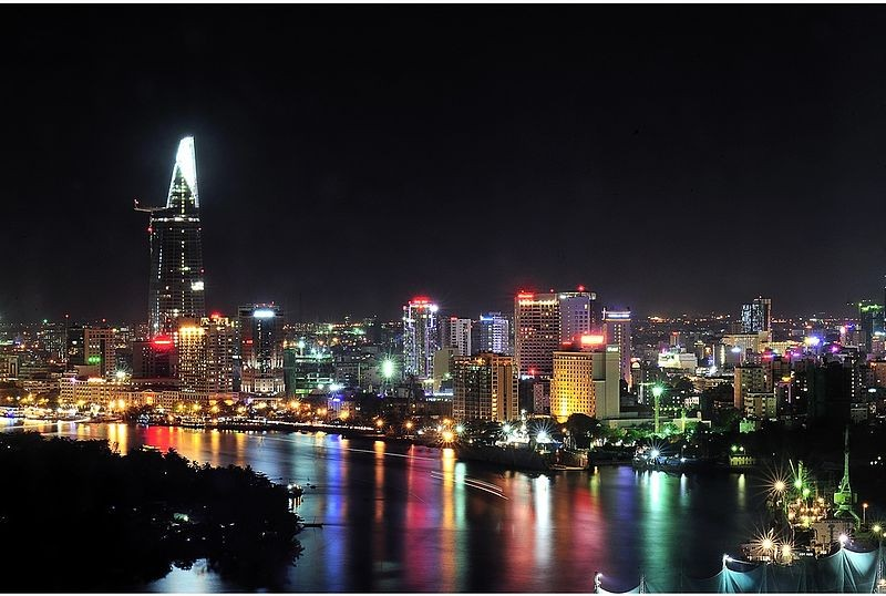Could Ho Chi Minh City's Architecture Be Saved by Its Economic Rut?, Ho Chi Minh City by night. Image © Wikimedia Commons