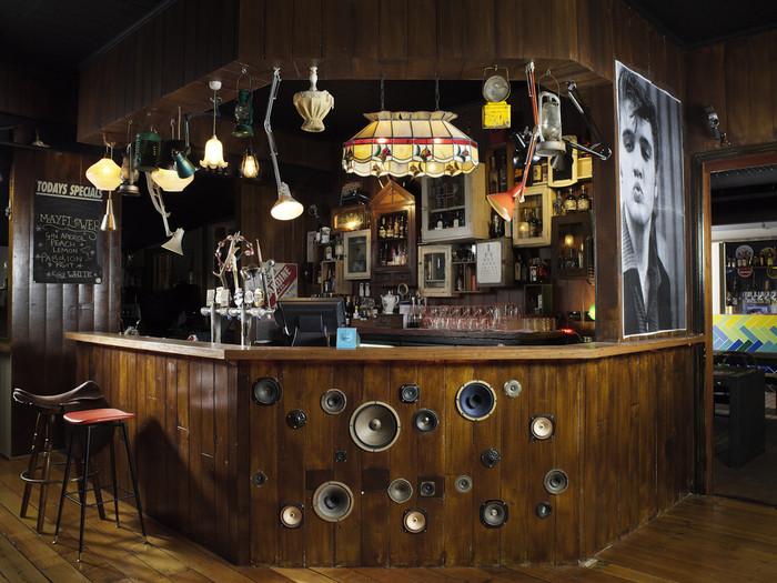 Australia & Pacific (Bar): Alfred & Constance (Australia) / Derlot. Image