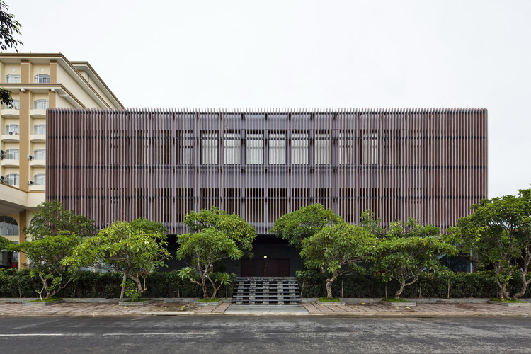 Centro para Eventos Kontum Indochine / Vo Trong Nghia Architects, © Hiroyuki Oki