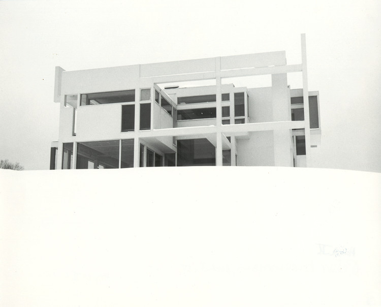 A photograph of House II was mistaken for a model by a French magazine.. Image Courtesy of an-onymous.com