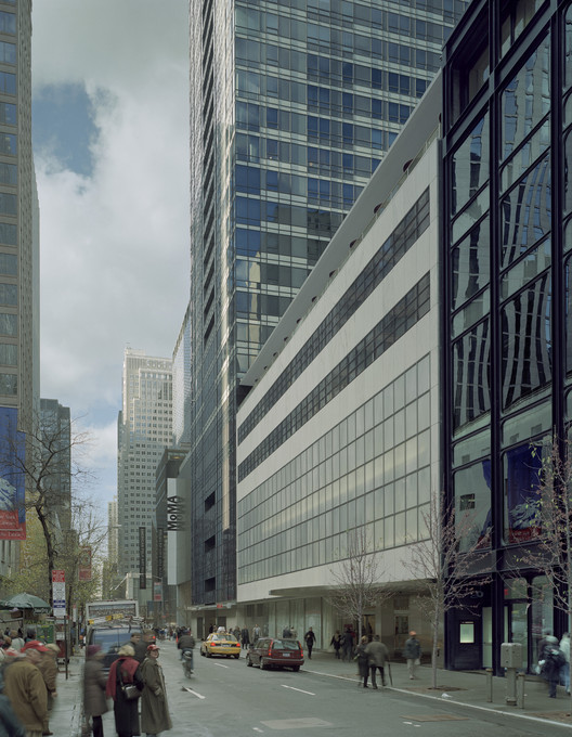 Sequence of facades on 53rd Street. Image © Timothy Hursley