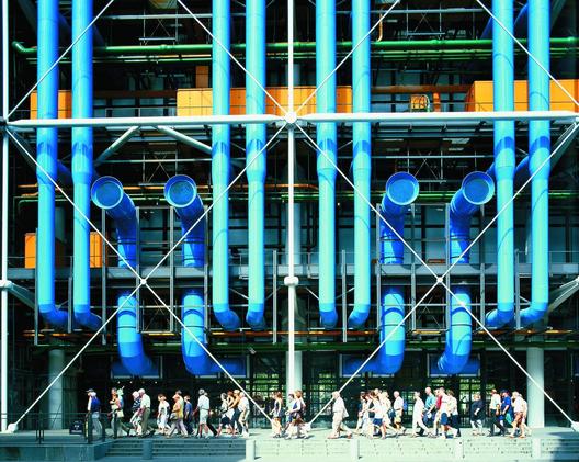 Centro Pompidou (1971-77) - Cortesía de Rogers Stirk Harbour + Partners. Imagen © David Noble