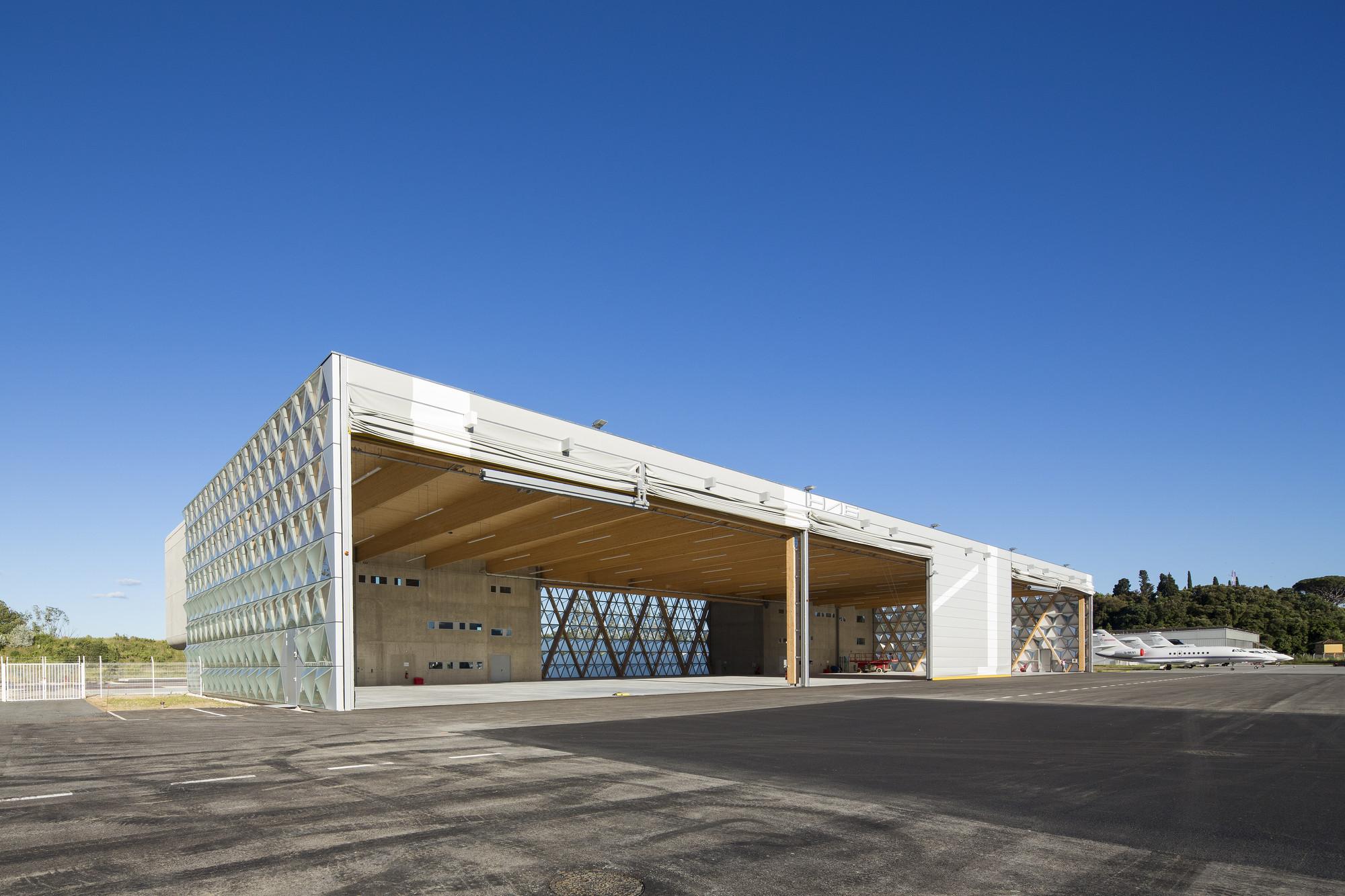 Gallery of hangar h16 comte vollenweider architectes 11 for Architecture hangar