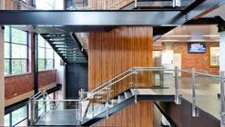 Centro de Processamento de Melbourne e Hemocentro da Cruz Vermelha Australiana / DesignInc