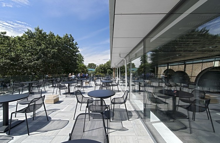 Terrace restaurant at london zoo shh archdaily for Restaurant with terrace