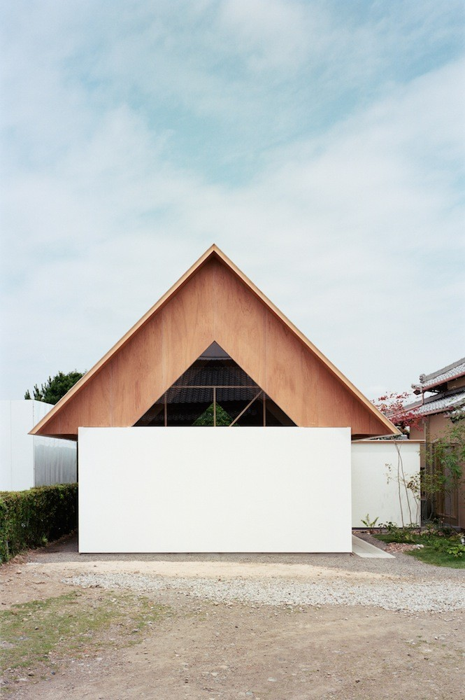 Gallery of koya no sumika ma style architects 6 for Japanese minimalist small house design