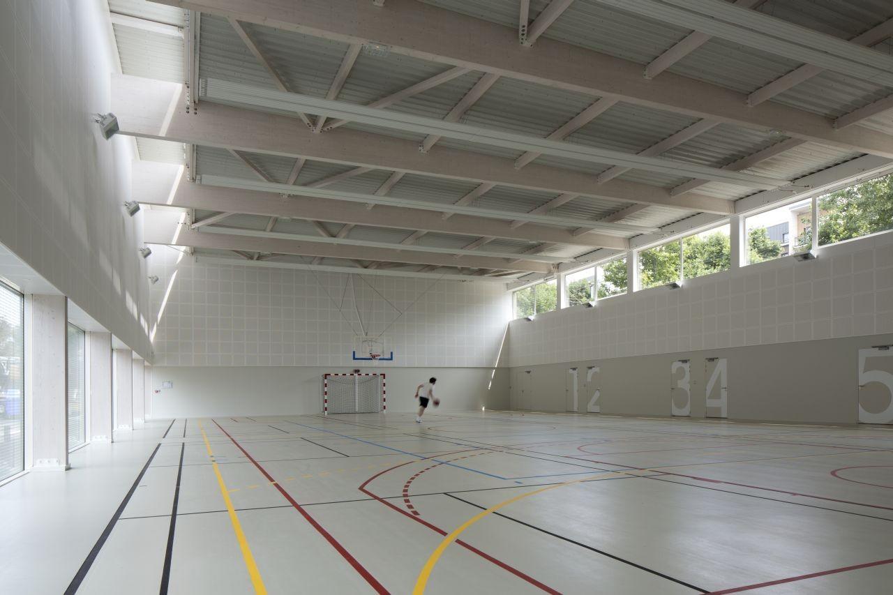 Gallery of asni res sur seine school gymnasium ateliers for Asnieres sur seine piscine