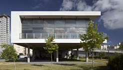 Tirat Carmel Library / Schwartz Besnosoff Architects
